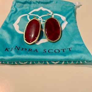 Kendra Scott Magenta Danielle earrings